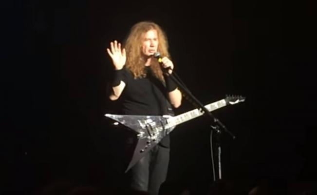 Dave Mustaine recuerda a su colega Chris Cornell, durante el concierto de Megadeth en Tokyo, Japón, este jueves (Foto Prensa Libre: YouTube).