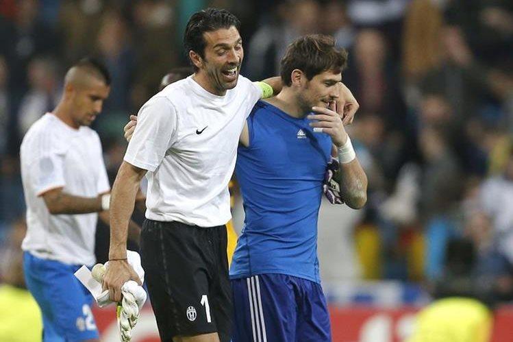 Iker Casillas y Gianluigi Buffon son dos de los mejores porteros del mundo (Foto Prensa Libre: Hemeroteca PL)