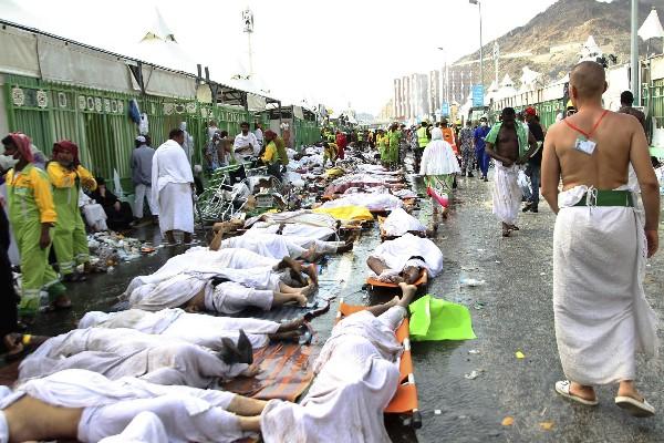 En la estampida humana en La Meca murieron 770 personas.