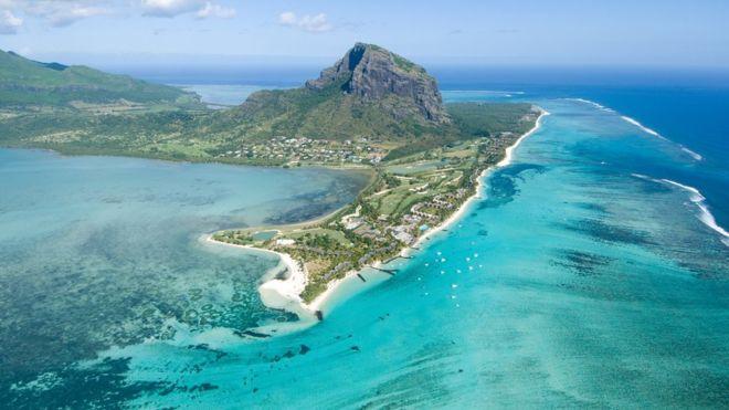 El mineral que permitió el descubrimiento fue hallado bajo las aguas de Mauricio y también en la superficie de la isla. THINKSTOCK
