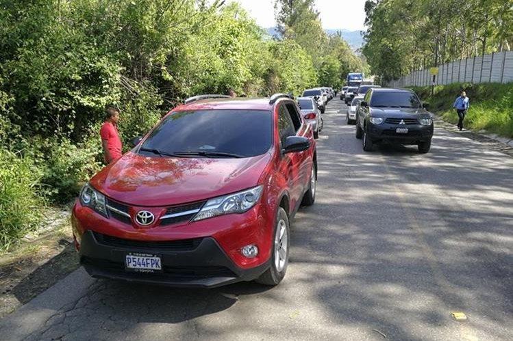 Camioneta agrícola en la que se transportaba la abogada que fue secuestrada en Villa Nueva. (Foto Prensa Libre: Estuardo Paredes).
