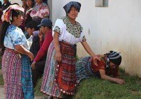 <p>Familiares de la estudiante exigen justicia. (Foto Prensa Libre: Édgar Domínguez)</p>