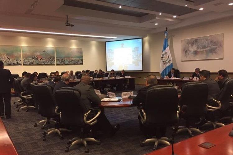 Después de dos semanas se reanuda la reunión de Gabinete de Gobierno, encabezada por el presidente Jimmy Morales. (Foto Prensa Libre: Presidencia)
