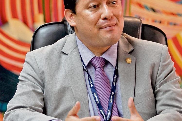 Mario Luis Román, viceministro admnistrativo y financiero de Trabajo.(Foto Prensa Libre: Erick Ávila)