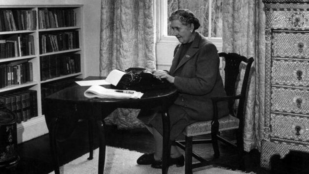 Agatha Christie publicó 66 novelas policiales así como varias obras de teatro. Su éxito fue tan incomparable como su timidez. (AFP)