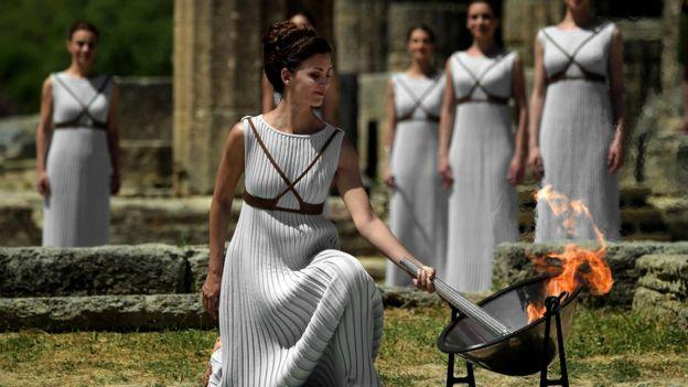 El fuego olímpico fue encendido el pasado 21 de abril en Olimpia, Grecia. (AFP)