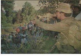 15/1/1996 Guerrilleros de la URNG realizan un mitin en el km. 80 carretera Interamericana, Tecpán, Chimaltenango. (Foto: Hemeroteca PL)