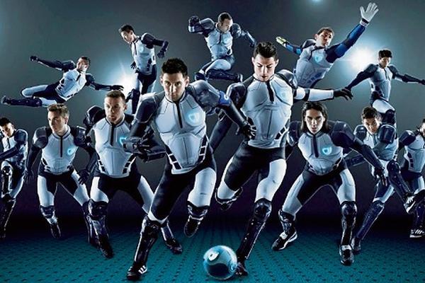 <p>Samsung se aventuró a lo imposible: poner a jugar a adversarios en un mismo equipo. (Foto Prensa Libre: Archivo)<br></p>