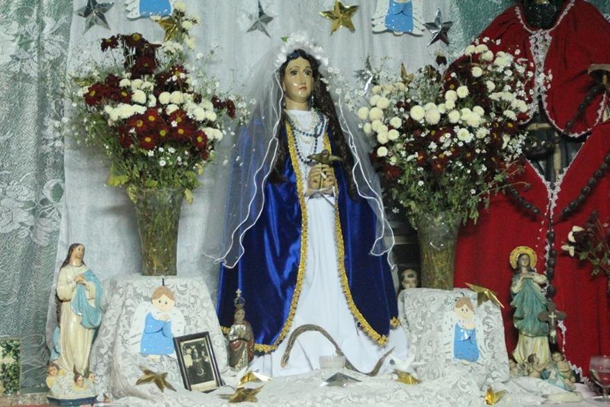Virgen de la Concepción, en la cabecera de Sololá, donde este jueves se efectúa la festividad conocida como El Tabal. (Foto Prensa Libre: Ángel Julajuj)