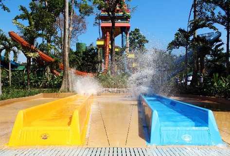 Los visitantes podrán disfrutar de recorridos vertiginosos y caídas en las nuevas atracciones que se suman a los otros atractivos del parque acuático.
