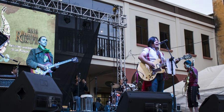La agrupación a través de la música piden construir un mundo mejor sin violencia. (Foto Prensa Libre: Cortesía B
