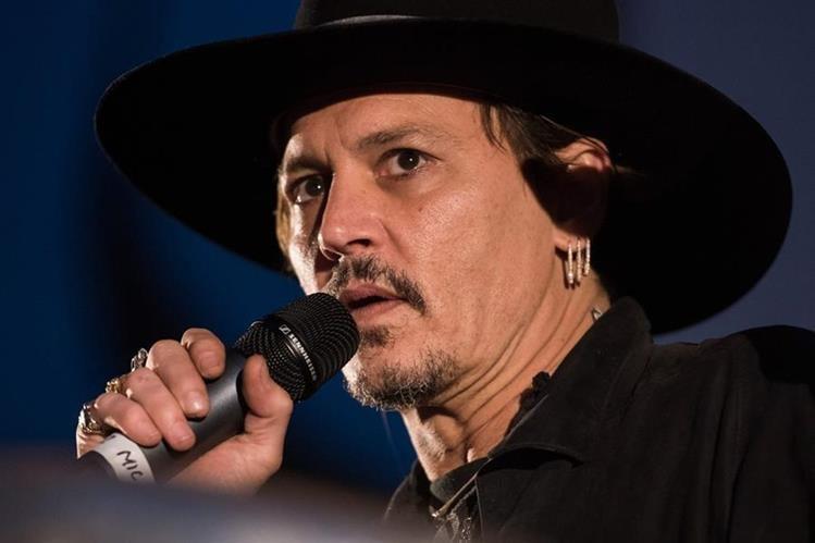 Johnny Depp se disculpa por declaraciones de asesinato de Trump