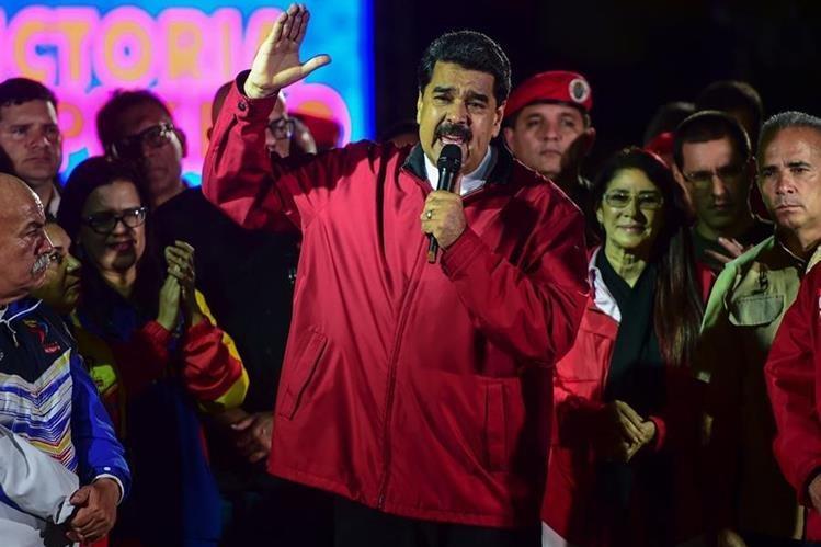 Contempla ampliar las sanciones a Venezuela, esta vez en su sector petrolero