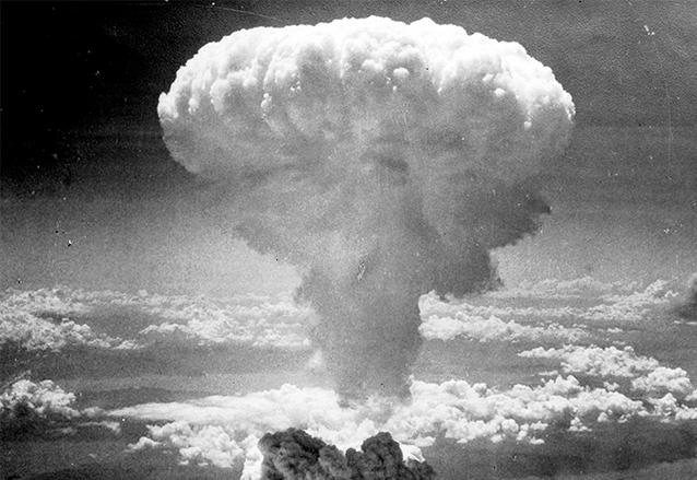 La nube en forma de hongo de la explosión de la bomba atómica se convirtió en un símbolo. Explosión del bombardeo a Nagasaki el 9 de agosto de 1945. (Foto: Hemeroteca PL)