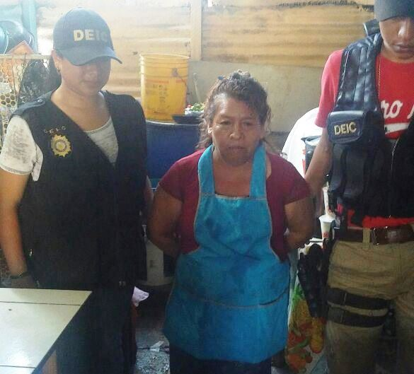 María Magdalena Pérez Gregorio fue capturada en Jutiapa por explotar sexualmente a una niña.(Foto Prensa Libre: Cortesía)