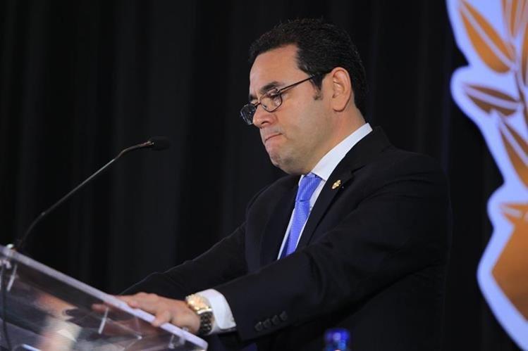 Presidente Jimmy Morales había comprometido parte de su sueldo a instituciones culturales y de educación.