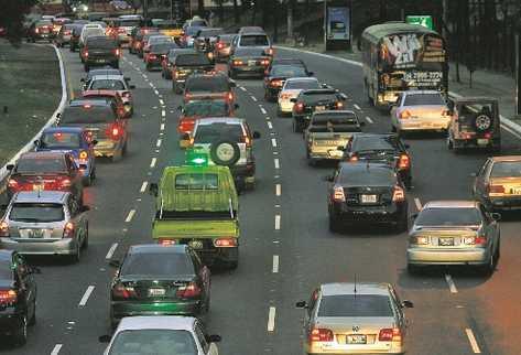 Según las autoridades el parque vehicular en Guatemala asciende a aproximadamente 2.4 millones de unidades. (Foto Prensa Libre: Archivo)