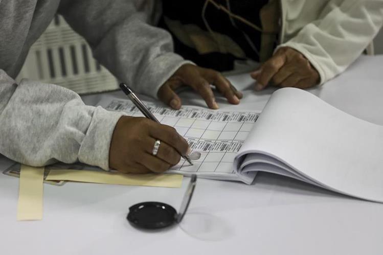 Maduro instala la Constituyente en Venezuela y piden su anulación