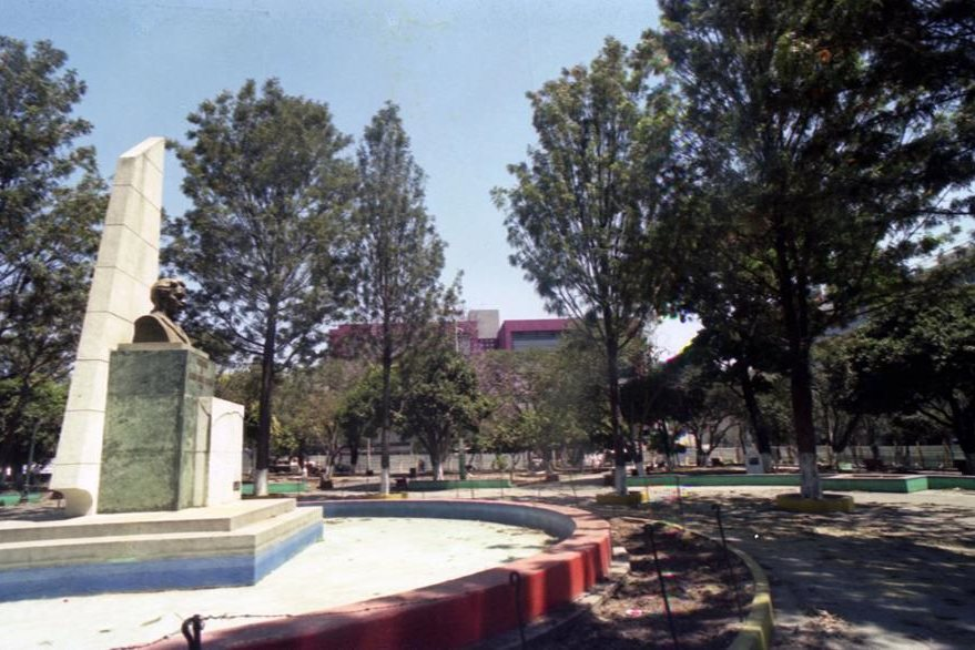 5/4/1995 Aspecto general del Parque Concordia donde los guatemaltecos  disfrutaban de la tranquilidad. (Foto: Hemeroteca PL)