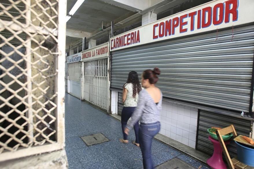 Carnicerías en algunos mercados fueron cerradas por las manifestaciones de ganaderos. (Foto Prensa Libre: Carlos Hernández)