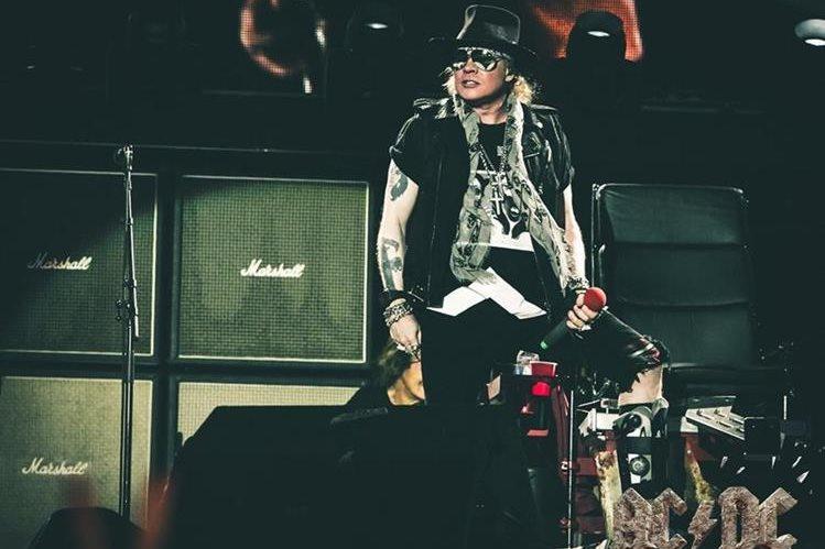 Axl Rose es el vocalista y fundador de la banda Guns n' Roses. Desde el 2016 también es el cantante principal de la agrupación AC/DC. (Foto Prensa Libre: tomada de Twitter @axlrose).
