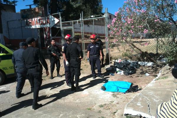 """<p>Localizan el torso de una mujer en San José Las Rosas, Mixco. (Foto Prensa Libre: E. Paredes)<br _mce_bogus=""""1""""></p>"""