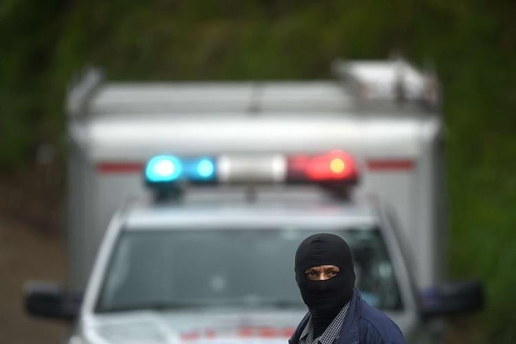 Las autoridades responsabilizan a los pandilleros de la violencia que azota al país. (Foto Prensa Libre: AFP).
