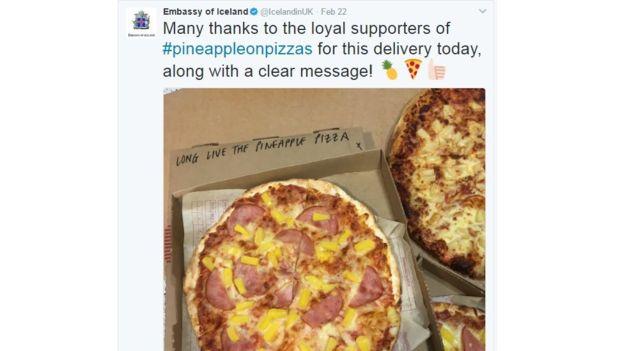 """En Londres, alguien envió una pizza a la embajada de Islandia con un mensaje: """"Larga vida a la pizza con piña"""". TWITTER"""