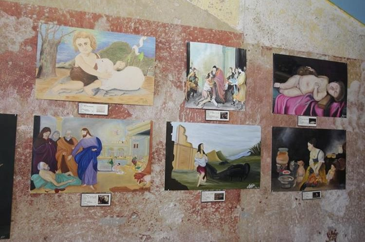 Los estudiantes de secundaria y bachillerato pintaron obras completas, en diferentes técnicas. (Foto Prensa Libre: Anna Lucía Ibarra).