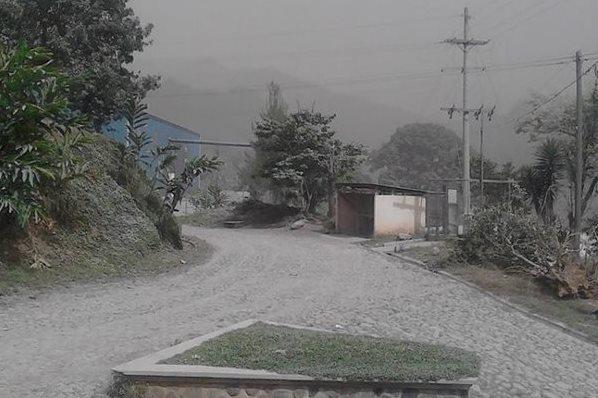 Ceniza cubre poblados en Quetzaltenango y Retalhuleu.