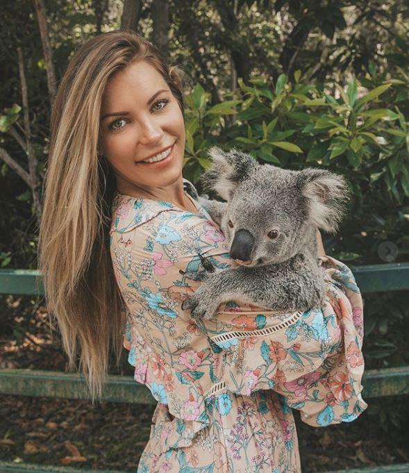 Crystal durante una vista al zoológico de Australia, para aprender más de los animales.  (Foto Prensa Libre: Instagram @crystalhefner)