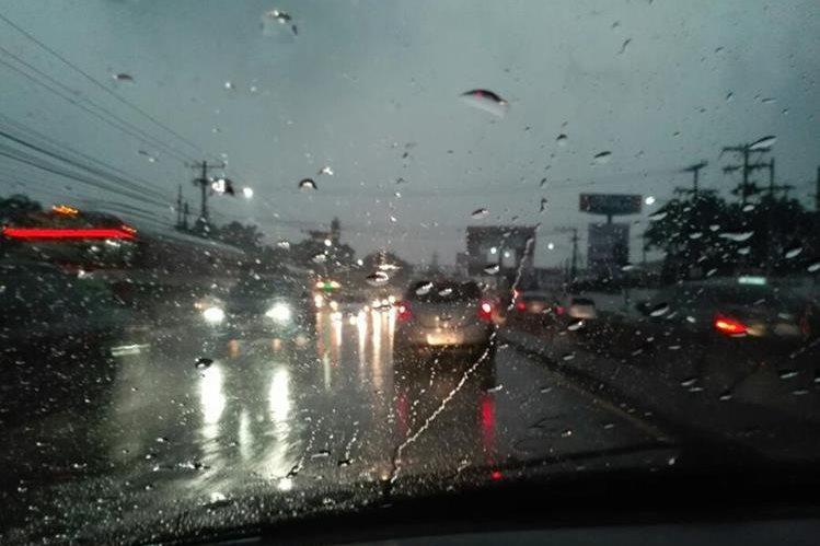 La precipitación de este martes no es el establecimiento de la temporada de lluvia, según el Insivumeh. (Foto Prensa Libre: Gabriela López)