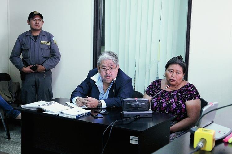 """Luisa Coc Tacatic """"Mama Güicha"""" sindicada de asesinato a dos adolescentes. Fotografía: Paulo Raquec  01/04/2015"""