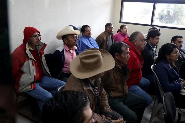 Unas 26 personas fueron capturadas por una red de corrupción en varias municipalidades. (Foto Prensa Libre: Mike Castillo)