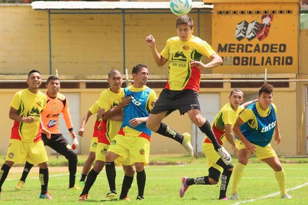 Los Leones llegan con muchas expectativas al encuentro ante Municipal. (Foto Prensa Libre: Aroldo Marroquín)
