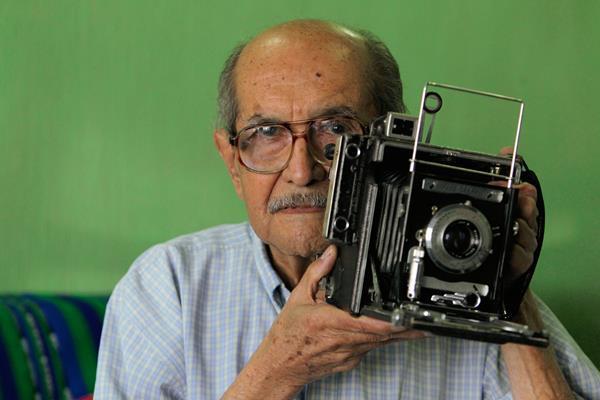 Periodista Jesús Alvarado Mendizabal, socio número uno, del Instituto de Previsión Social del Periodista. (Foto Prensa Libre: Edwin Castro)