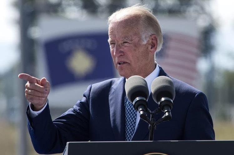 Joe Biden, vicepresidente de Estados Unidos, defiende la política de asilo a centroamericanos que huyen de la violencia. (Foto Prensa Libre: EFE)