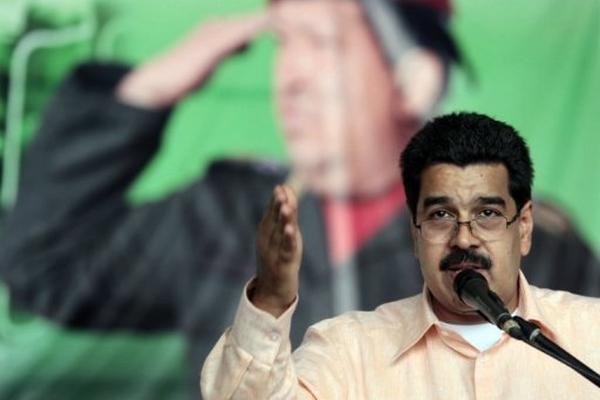 <p>Nicolás Maduro, anunció el viaja a Cuba durante una rueda de prensa en la base militar venezolana de Anzuátegui.</p>
