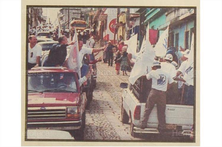 ARDE y FRG, en campaña en Sumpango, Sacatepéquez, en 1999. (Foto: Hemeroteca PL)