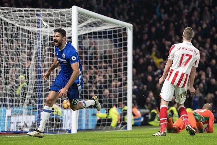 Diego Costa contribuyó con un gol para el triunfo del Chelsea contra el Stoke City. (Foto Prensa Libre: EFE).