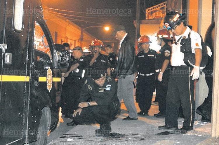 Ingreso al hospital de la PNC donde fue lanzada una granada en 2011. Foto Prensa Libre: Hemeroteca PL.