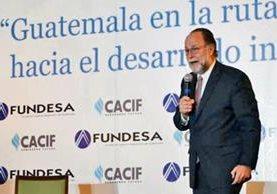 ricardo hausmann durante su presentación en el foro sobre desarrollo inclusivo de Fundesa.