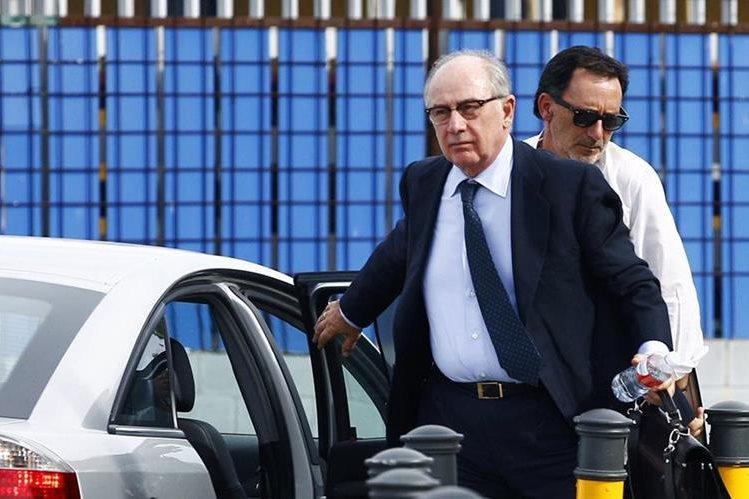 Rodrigo Rato, exdirector del FMI, es procesado en España por corrupción. (Foto Prensa Libre: AFP)