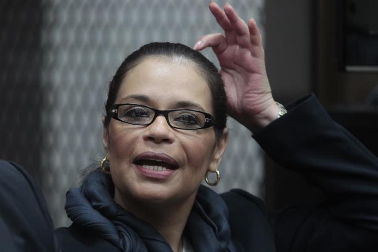 Roxana Baldetti durante una audiencia en la Torre de Tribunales. (Foto Prensa Libre: Hemeroteca PL)