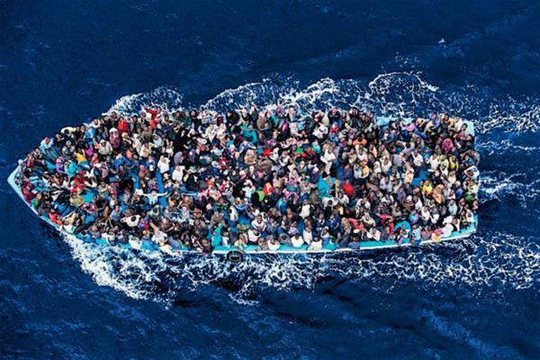 (Foto de referencia). Miles de africanos llegan de forma ilegal cada año a las costas italianas. (Foto Prensa Libre: Hemeroteca PL).