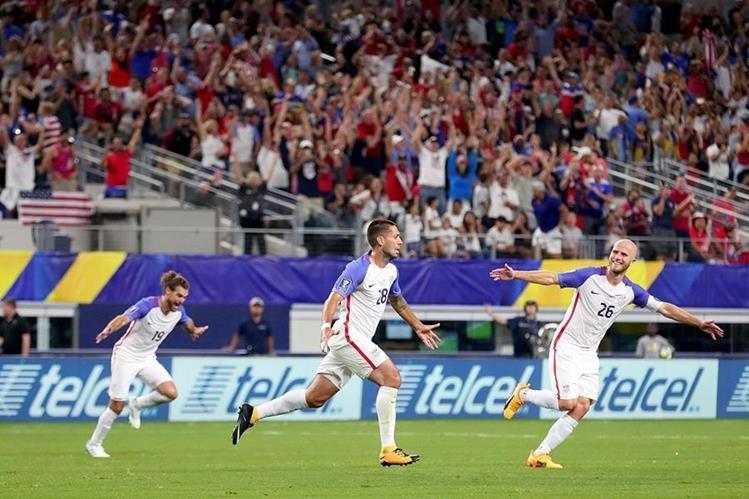 Clint Dempsey festeja después de anotar el 2-0 frente a Costa Rica. (Foto Prensa Libre: AFP)