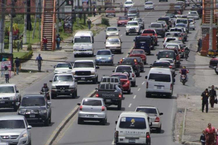 El tránsito en la ciudad de Quetzaltenango es cada vez más intenso lo cual genera estrés. (Foto Prensa Libre: Hemeroteca)