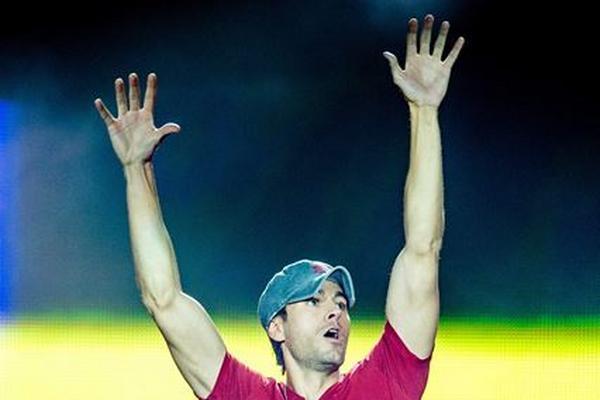 <p>Enrique Iglesias es el gran ganador de los Latin Grammy (Foto Prensa Libre: EFE).</p>