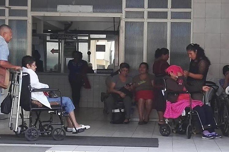 Según el Incán, los precios de los tratamientos paliativos son relativamente bajos en comparación con los de otras especialidades. (Foto Prensa Libre: Roni Pocón).