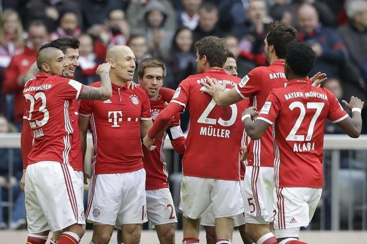 Bayern Münich goleó a Frankfurt y estiró la ventaja en la punta
